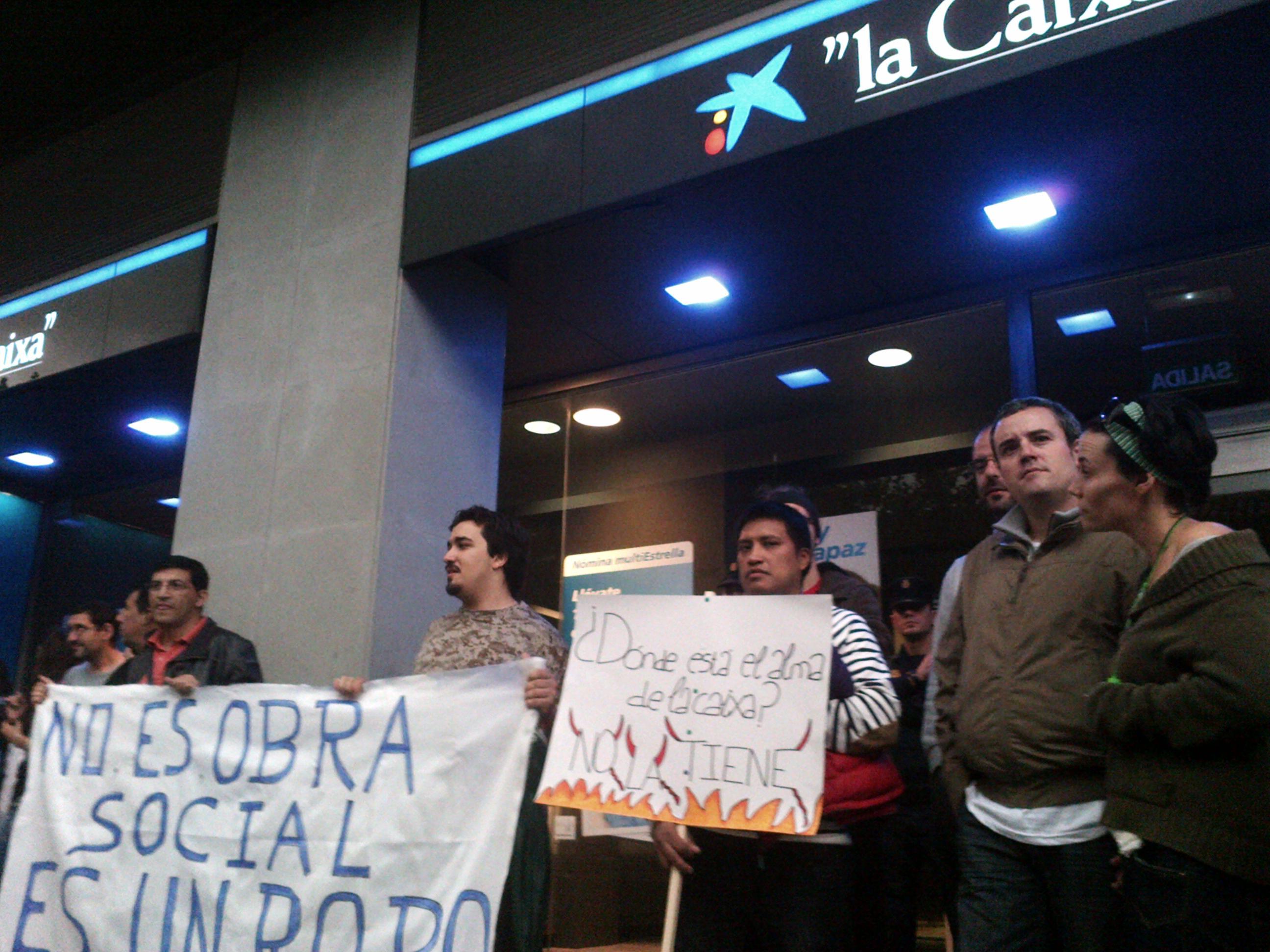 Caixabank debe paralizar las ejecuciones de nuestros for La caixa oficinas zaragoza
